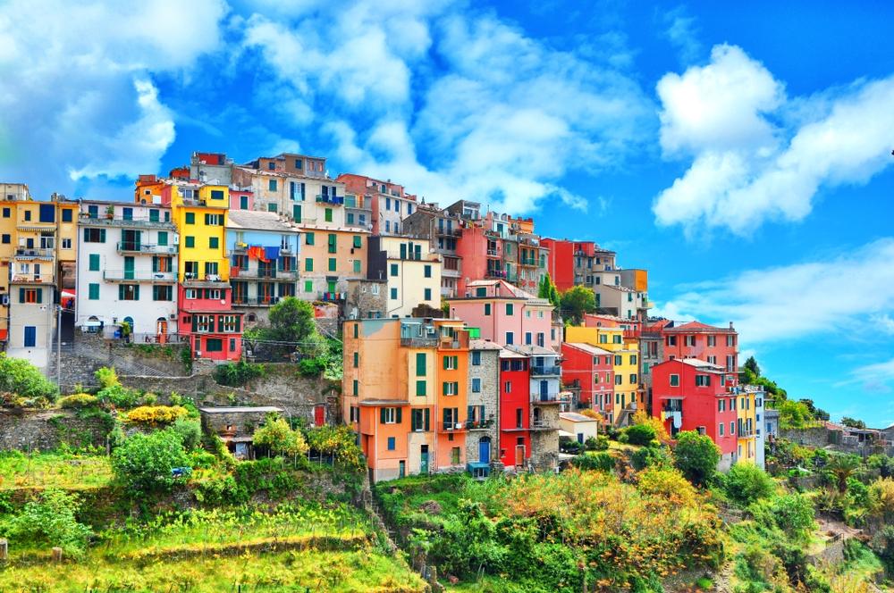 Corniglia colorful buildings